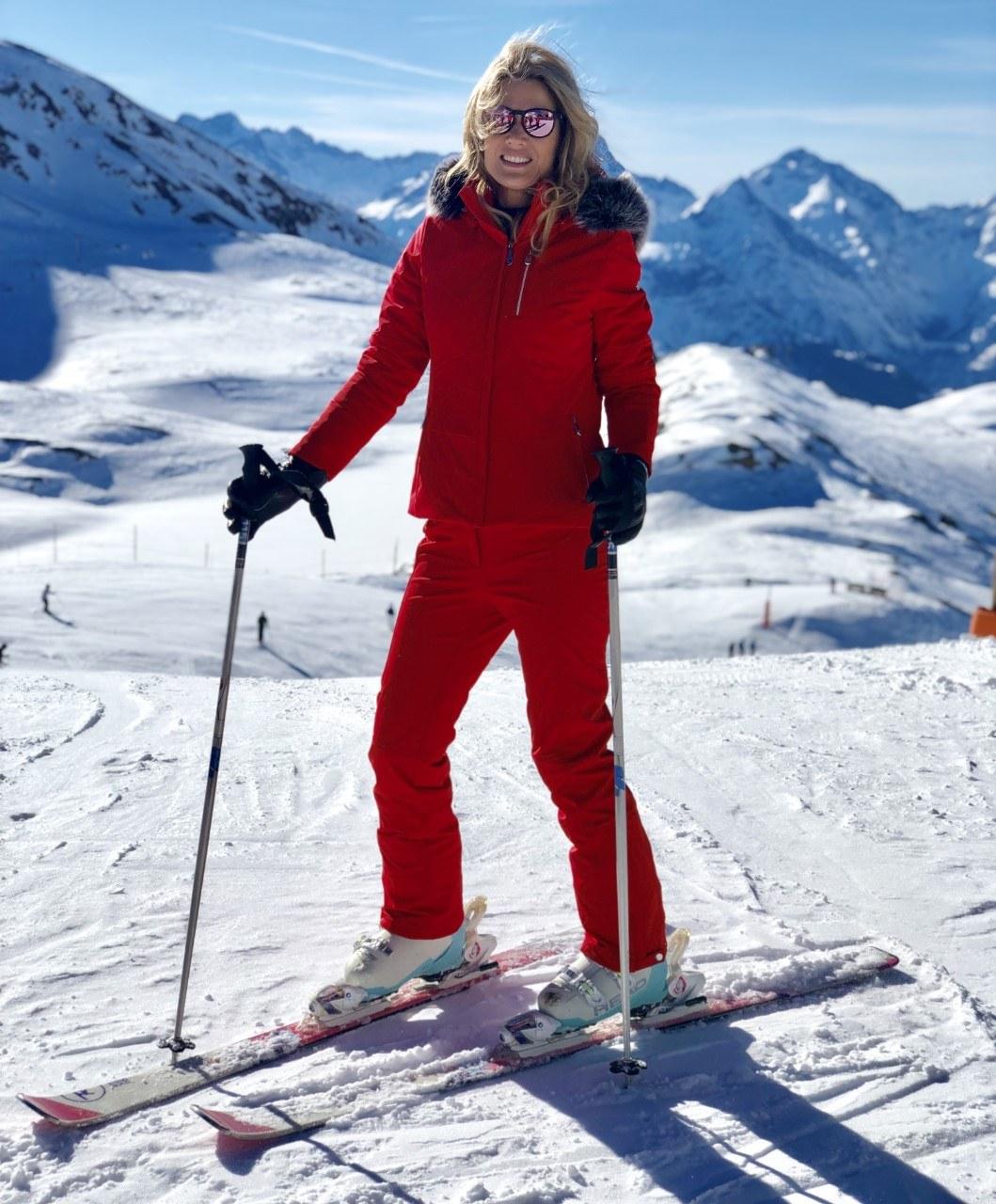C-skiing-cropped.jpg#asset:435